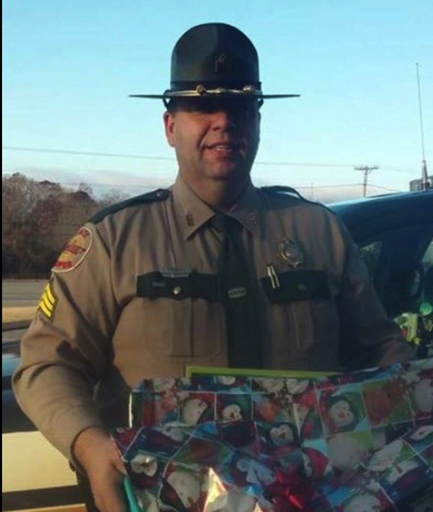 cop buys gifts